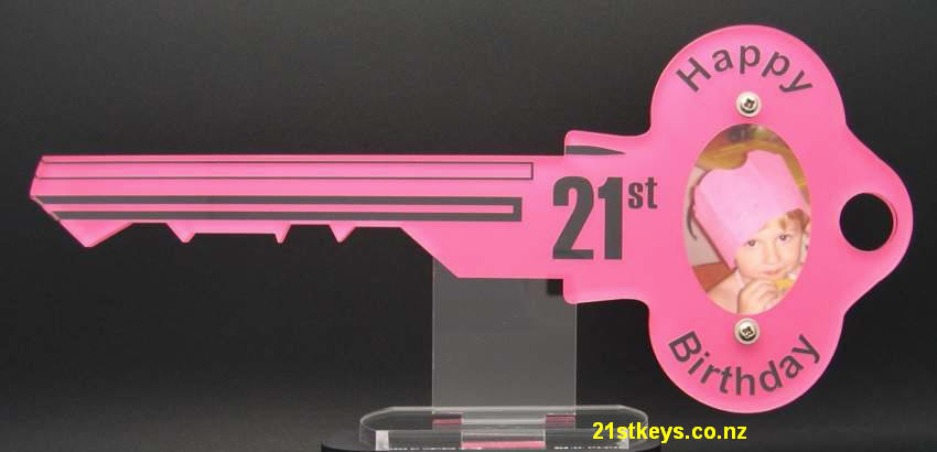 pink yale oval picture birthday key